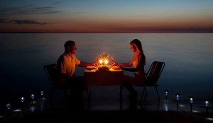13-very-romantic-dinner-date-ideas-for-two